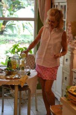 Julie making our drunken lemonade_small