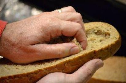 remove some of the bread_small