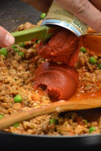 add a can of tomato paste_small