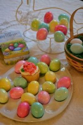 coloring eggs 2016_small