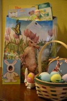 some of Veronicas old Easter stuff from her childhood_small