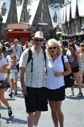 Gordon and Julie playing tourist_small