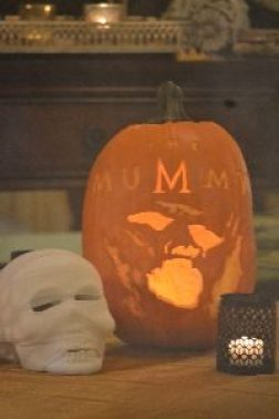 Imhoteps skull and pumpkin_small