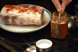 adding-the-spices-to-the-pork-roast_small
