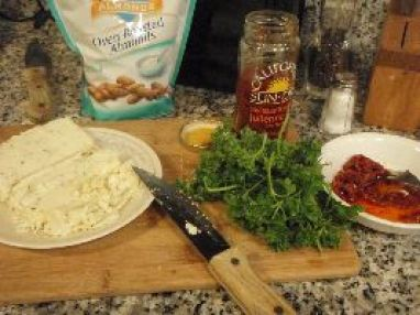 feta-parsley-sundried-tomatoes-almonds_small