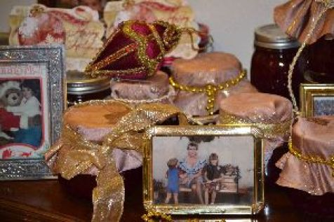 cranberry-sauce-and-photos-by-the-door_small