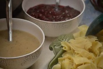 cranberry-sauce-gravy-and-noodles_small