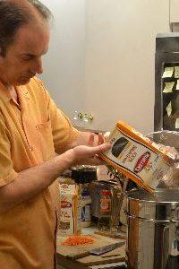 MS 7 Gordon adding the macaroni noodles_small