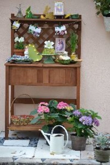 our outdoor Easter brunch pottery bench_small
