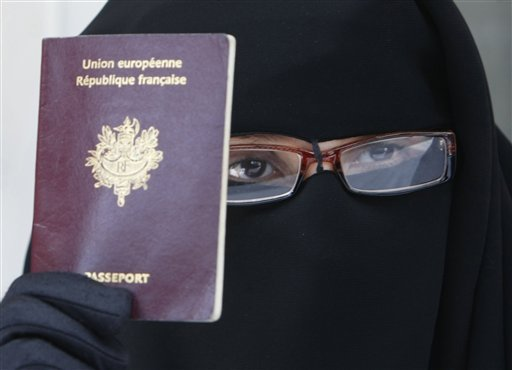 france-burqa-black-051810jpg-e6ce8085f3c6d4a3