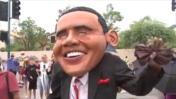 Anti-Obama-protesters-in-Arizona-use-racist-language-KNXV-TV-1