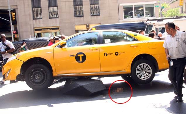 Green's foot can be seen circled underneath the runaway cab