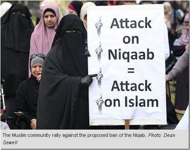 Australian-Muslim-women-to-wear-the-burqa