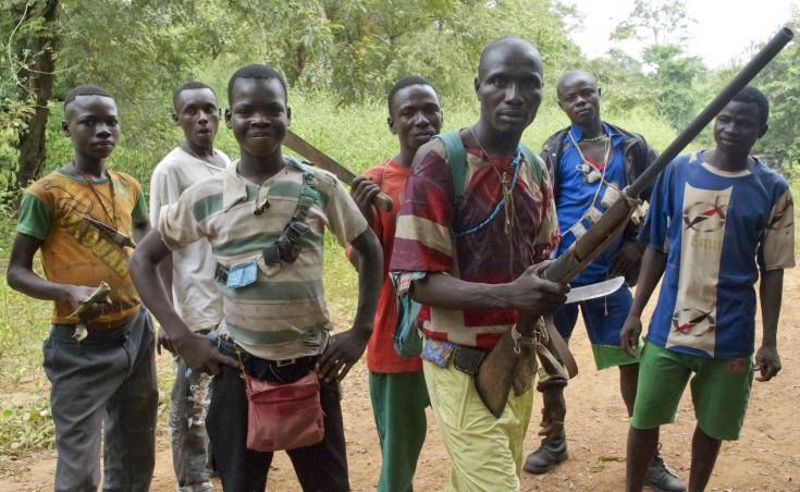 Los combatientes de la milicia cristiana conocida como el anti-balaka han surgido para defender las ciudades y, en algunos casos, atacar a las comunidades musulmanas.