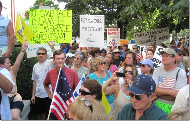 murfreesboro-mosque-demonstrators