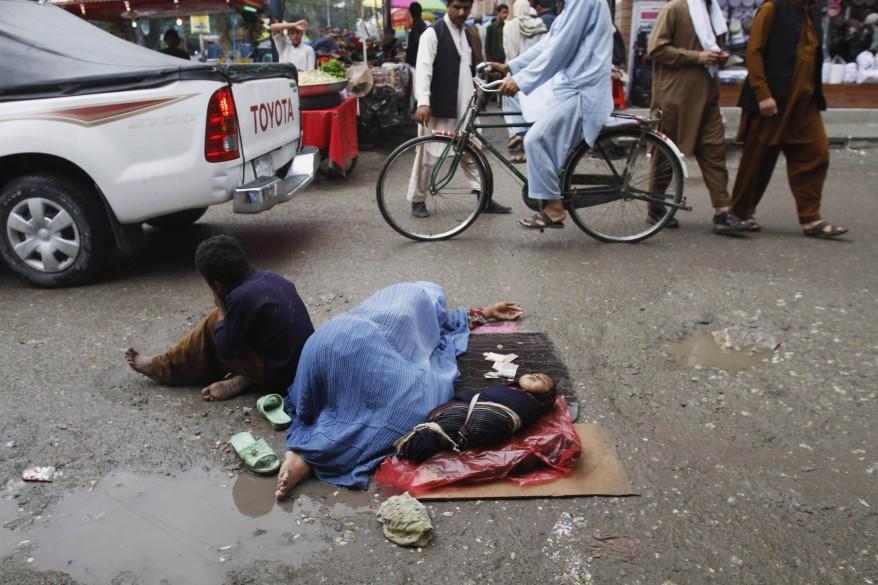 Ahora las mujeres y los niños que duermen en la calle