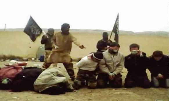Terror group al-Nusra lines up and executes several Christian civilians