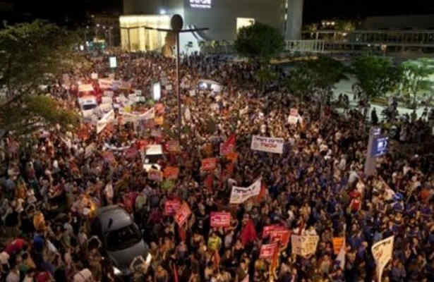 Israeli leftists gather in Southern Tel Aviv to support the invaders