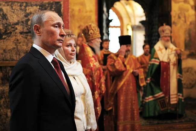 putin-2012-annunciation-cathedral-c