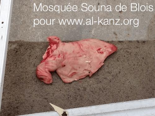 mosquée-blois-profanación-2.png