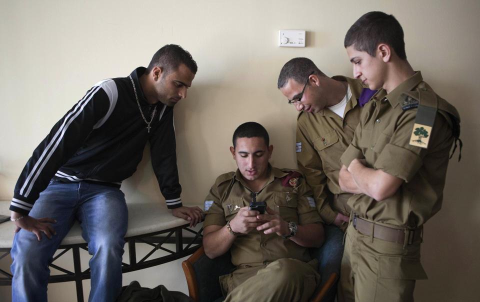 Los cristianos árabes están alistándose en el ejército israelí, en número cada vez mayor