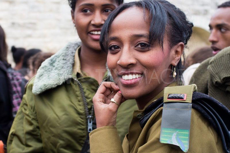 1322146158-ethiopian-jews-celebrate-the-sigd--jerusalem_938415