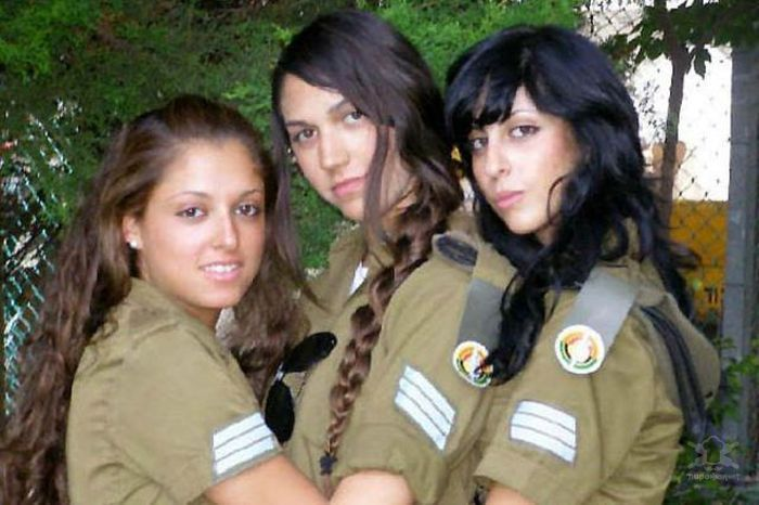 1370469807_izrael_army_girls_57