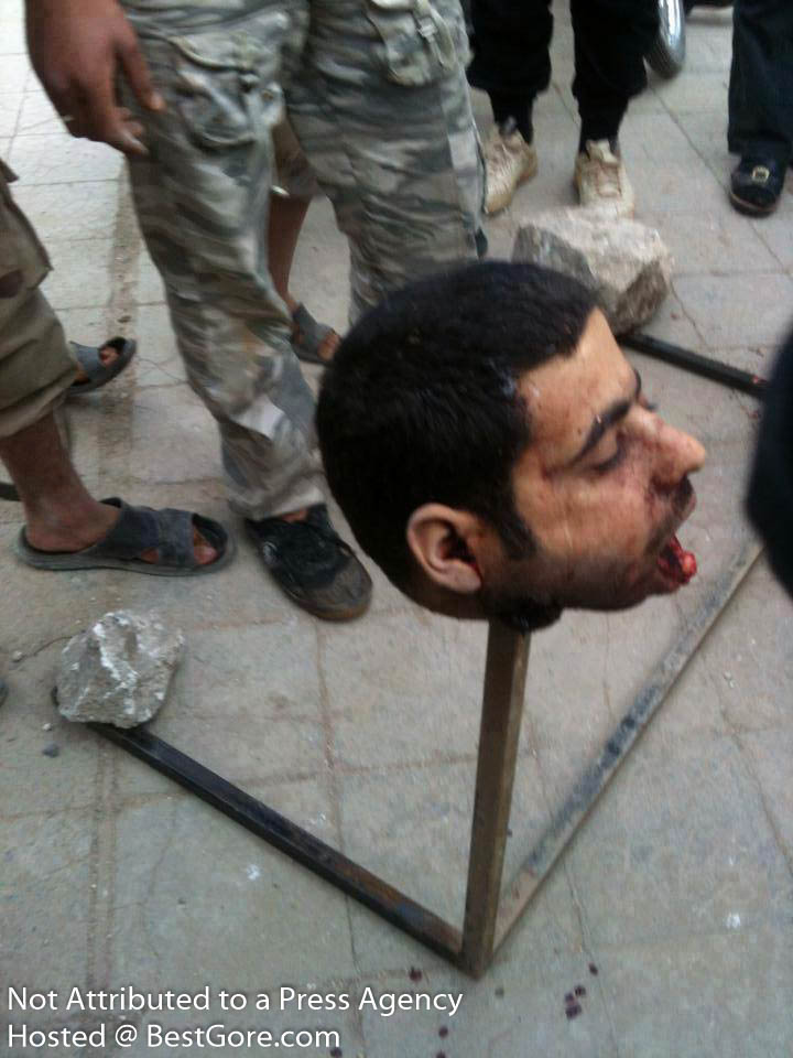 syria-army-soldier-executed-in-idlib-09