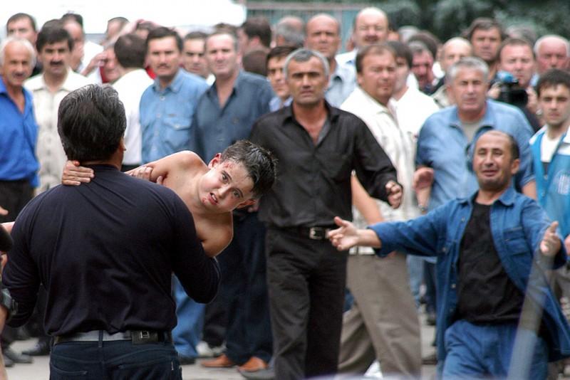 beslan-school-hostage-crisis-masscare-2004-1