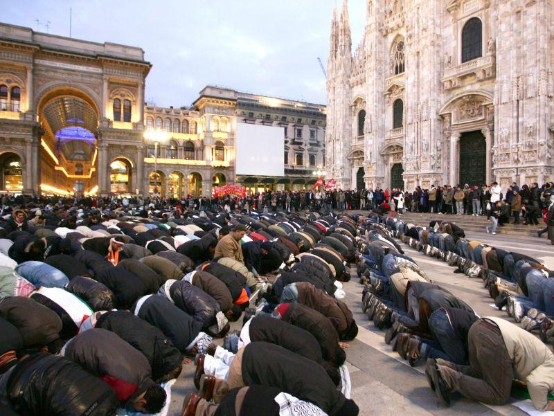 Muslim headbangers Milan