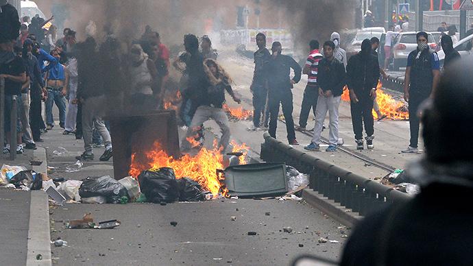 Paris burning!