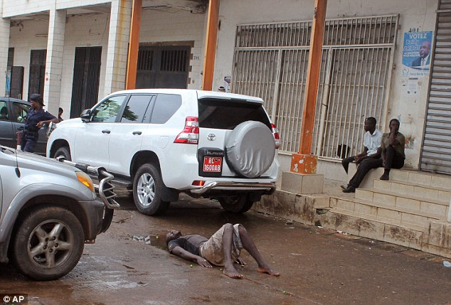1407404793318_wps_13_Guinea_Police_secure_the_