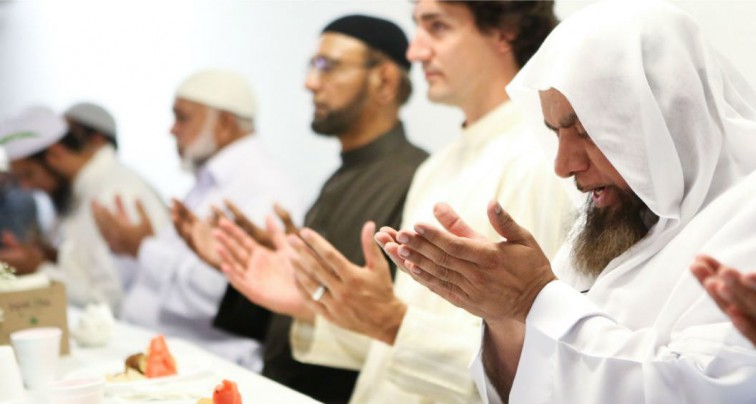 Justin Trudeau praying at mosque