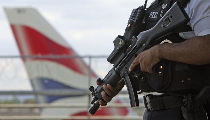terror-parcela-golpe-cinco-pasajeros-aviones-durante-Navidad