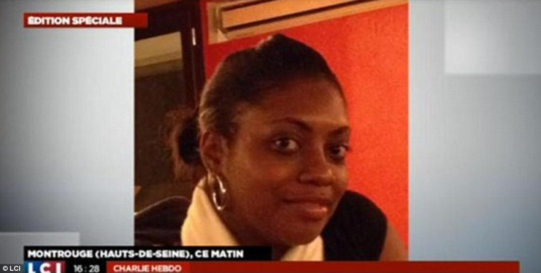 Los medios franceses identificaron a esta mujer como Clarissa Jean-Philippe, el joven policía que fue baleado