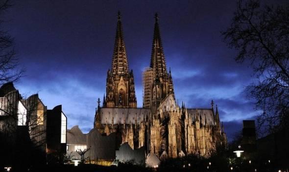 A quién le importa si la iglesia atenuado las luces?