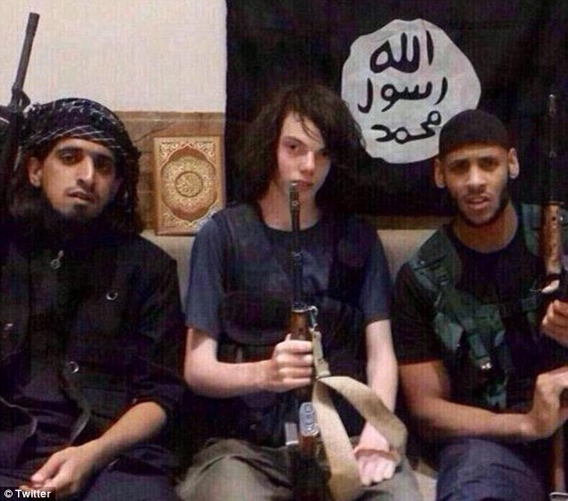 Melbourne Jiahdi Jake poses with ISIS pals