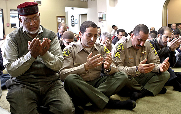 LA Police Dept has to give Muslims time off to pray during work hours