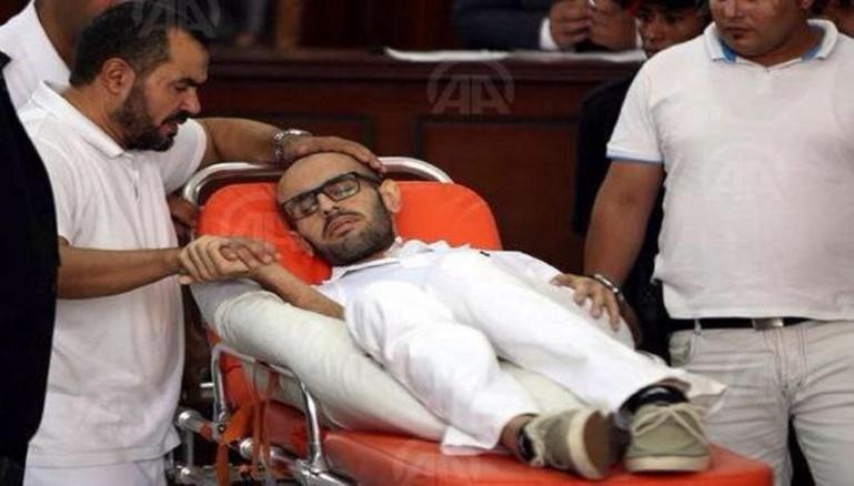 Mohamed Soltan todavía no ha muerto después de una huelga de hambre de 14 meses con su padre, preso condenado .Salah Soltan