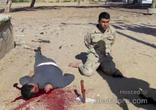 isis-egypt-execution-two-men-one-beheading-sinai-500x353