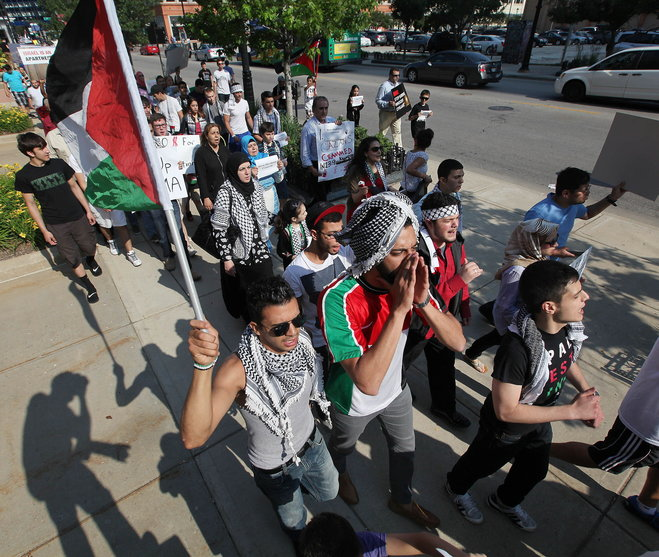 Milwaukee Muslims march for Hamas