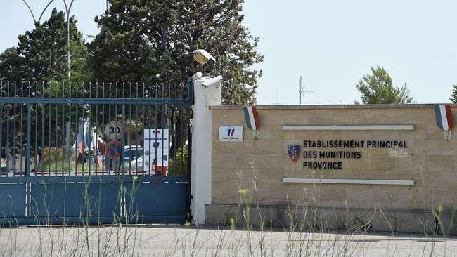 ct-france-explosives-stolen-military-base-2015-002