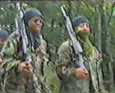 Entrenamiento Terrorista en Los Musulmanes de América campamentos Es Para las Mujeres Como párr Los Hombres
