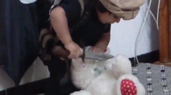 ISIS releases video of a child beheading a stuffed teddy bear 2