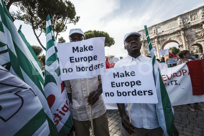 1434938037-demonstration-in-rome-against-migrant-tragedy-in-the-mediterranean-sea_7902544