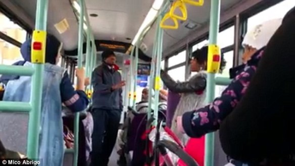 2D77809100000578-3275447-The_bus_driver_gets_out_of_his_cabin_and_asks_everyone_to_relax_-a-8_1444988778281