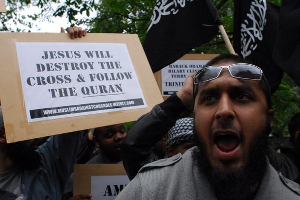 uk-musulmanes-ataque-cristianismo