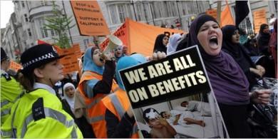 Muslims_benefits