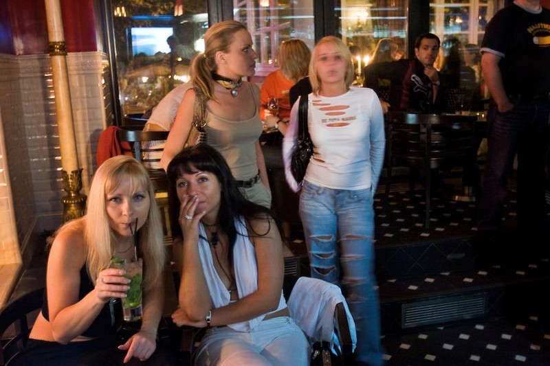 russia-moscow-nightclub-ru124355