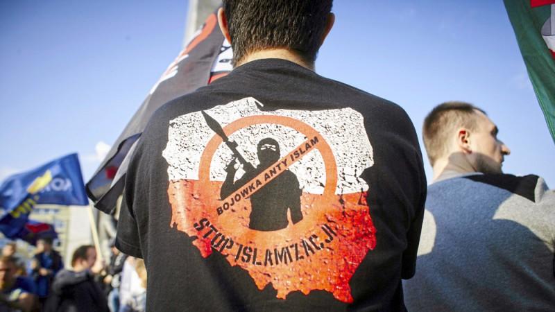 POLISH protesters against Islamization